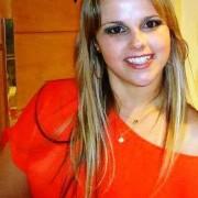 Paula Amanda Lenzi